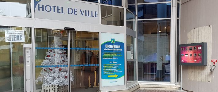 Deux nouveaux écrans d'affichage légal à Élancourt (78)