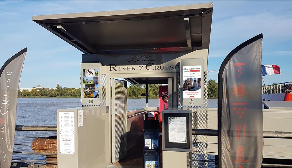 Ponton 2 Ecran River Cruise